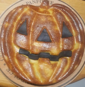 """MAMME RICETTE!"" – Torta Stregata di Mele – Speciale Halloween!"