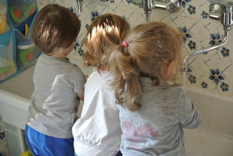 MELOGIOCA – Uno spazio per fare, giocare e stare insieme!! Per bambini e alle bambine dai 12 ai 36 mesi con varie formule di orario.