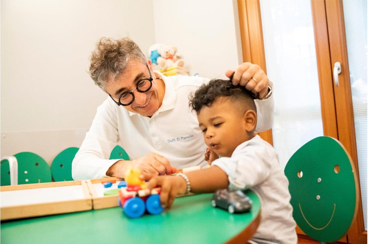 Odontoiatria Pediatrica: L'importanza di seguire crescita e sviluppo corretto dei denti nei bambini – Articolo elaborato da Dott. Daniele Parrello Prof a c. Università dell'Insubria – Varese Medico Chirurgo