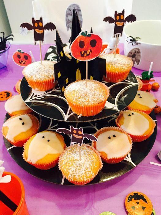 Halloween siamo pronti… ecco i nostri divertenti lavoretti, decorazioni, torta fatta in casa e brrr scegliamo il film!!!