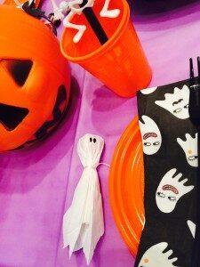 Halloween siamo pronti… ecco i nostri divertenti lavoretti, torta fatta in casa e brrr scegliamo il film!!!
