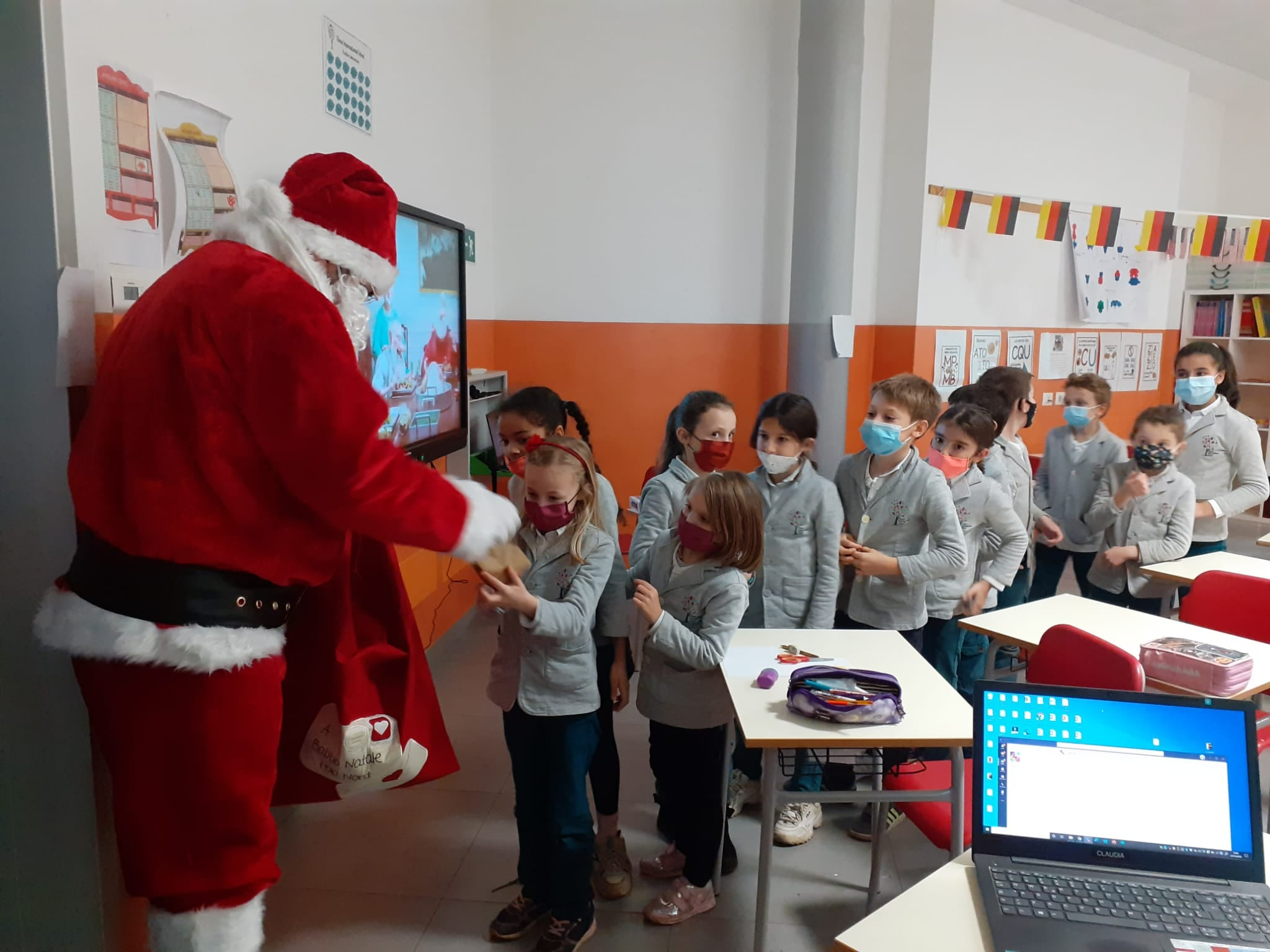 Olona International School: Merry Christmas  & a Happy New Year!